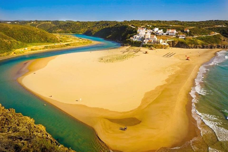 best-algarve-beaches-praia-de-odeceixe