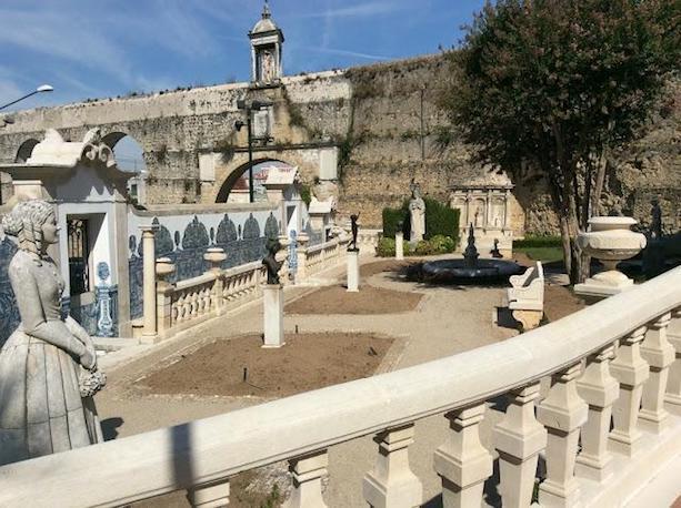 https://portugalholidays4u.com/repo/Coimbra/Casa-Museu-Bissaya-Barreto-Coimbra.jpg
