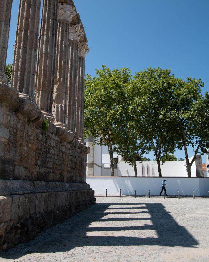 Evora. Temple of Diana. Portugalholidays4u.com