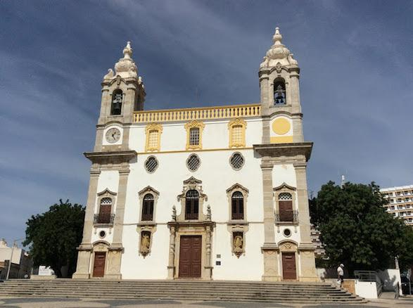Igreja de Carmo, Faro. portugalholidays4u.com