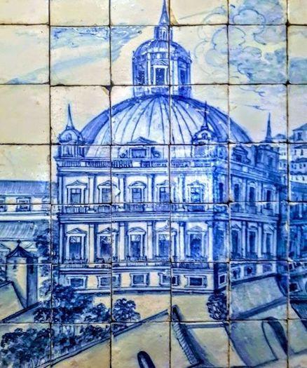 https://portugalholidays4u.com/repo/Lisbon/tile-museum-lisbon.jpg