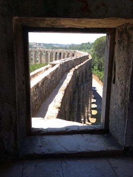 Tomar-aqueduct-portugal