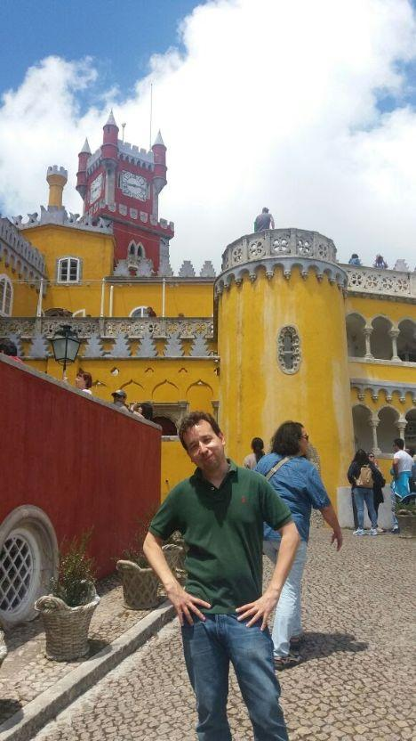 pena-castle-sintra-lisbon portugalholidays4u.com