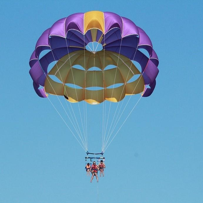 family-activities-algarve-Parasailing-Albufeira