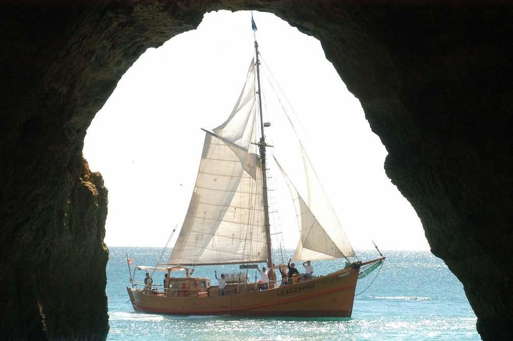 family-activities-algarve-Pirate-ship-Albufeira
