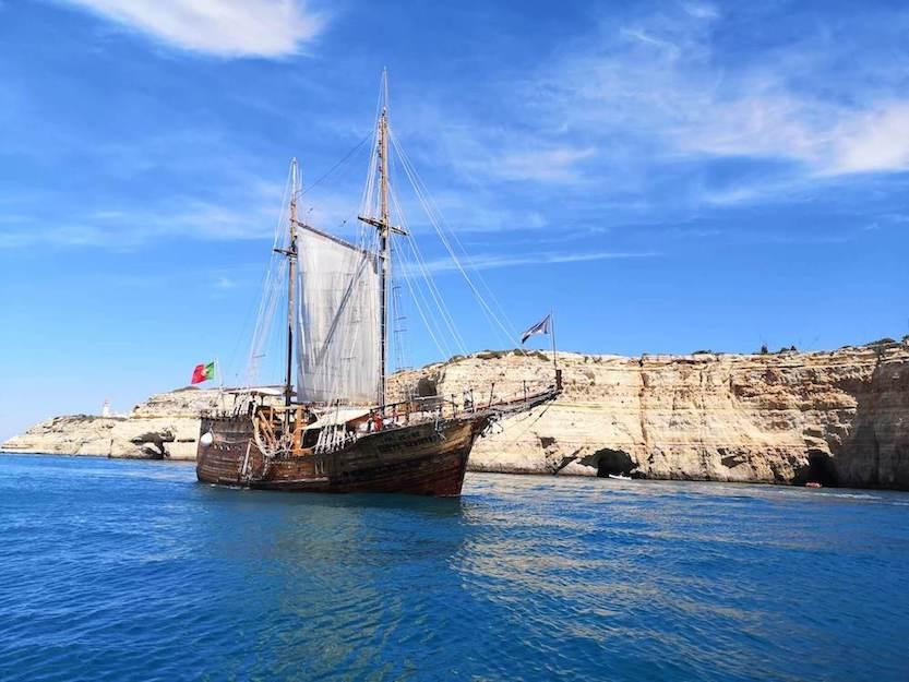 family-activities-algarve-Pirate-ship-Portimao