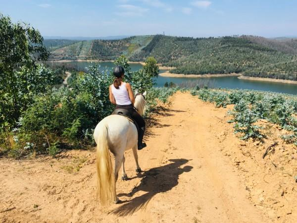 horse-riding-hen-party-portugal