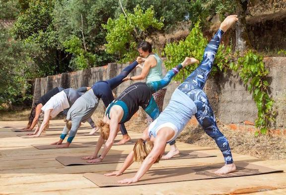 yoga-retreat-hen-party-central-portugal