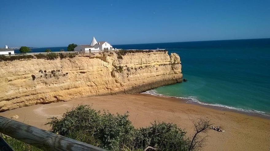 Praia-Senhora-da-Rocha-private-holiday-villas