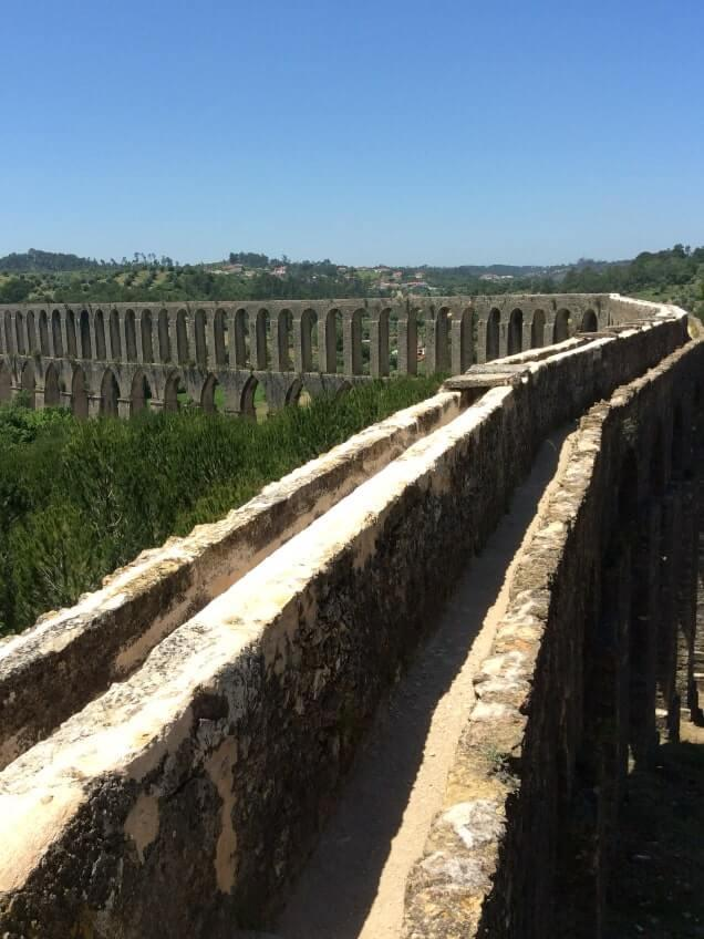 Aqueduto-dos-Pegões.  Portugalholidays4u.com.